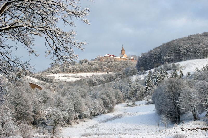 lDie winterliche Burg